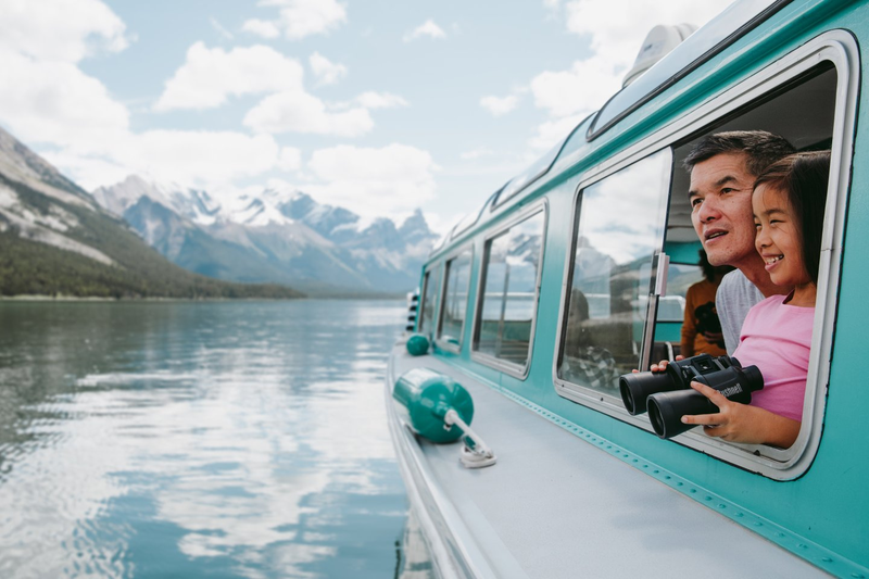 Maligne Lake - boat tours