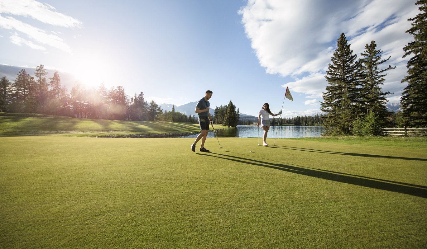 When to ski and golf on the same day in Jasper National Park | Tourism Jasper