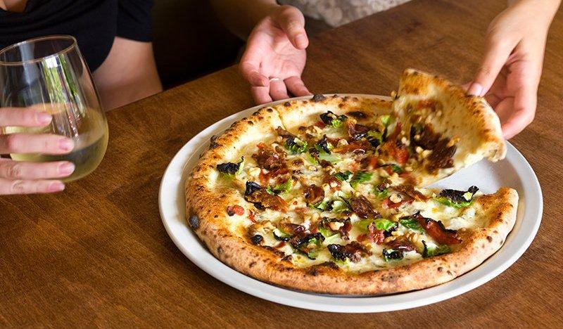 Famoso Neapolitan Pizzeria | Tourism Jasper