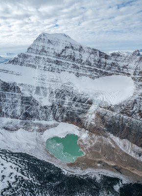Jasper-NP-Aerials-Mt.-Edith-Cavell-and-Cavell-pond-Credit-Rogier-Gruys-191002-631.jpg